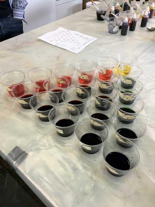 Dye cup pyramid